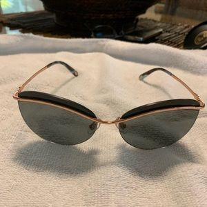 Women Tiffany sunglasses
